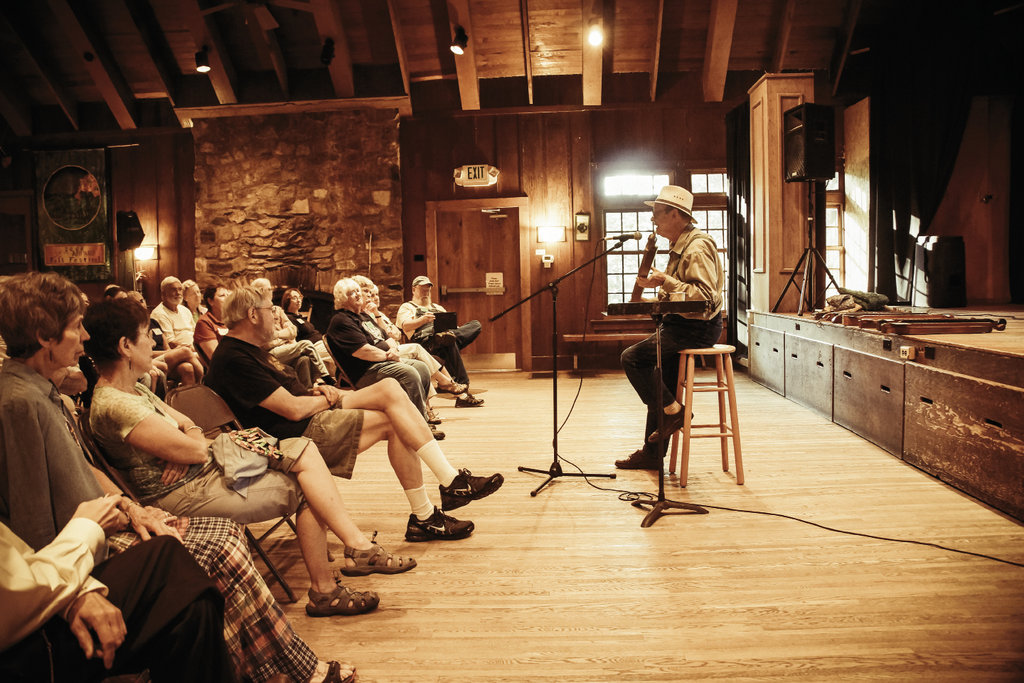 During the summer, each week is dedicated to a theme. Ralph Lee Smith gives an evening talk as part of  Dulcimer Week.
