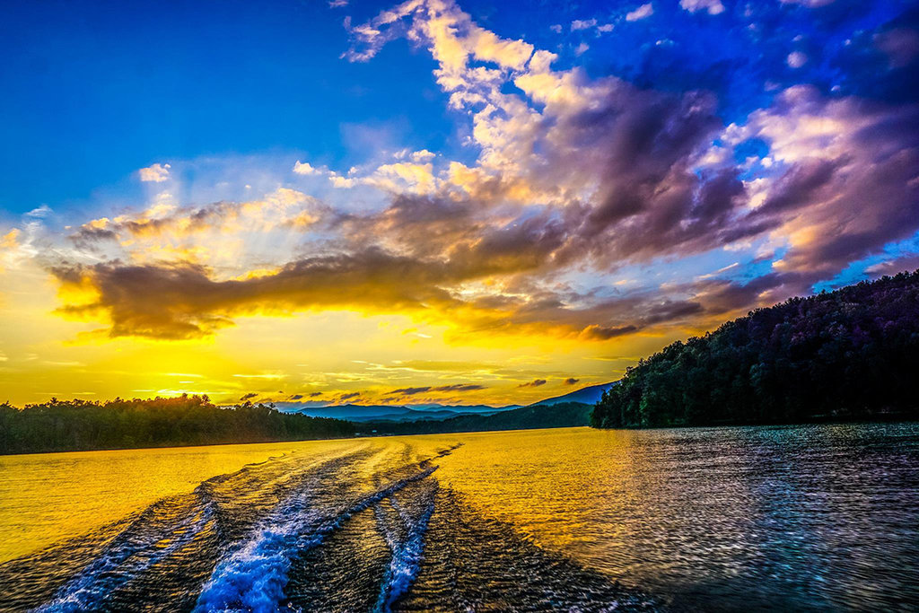 Honorable Mention: Lake James Near Sunset by Chris Allison (Professional category)