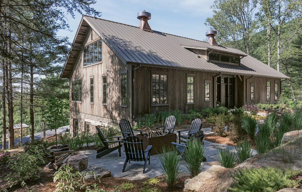 Samsel Architects helped turn the circa-1870 barn into a home.