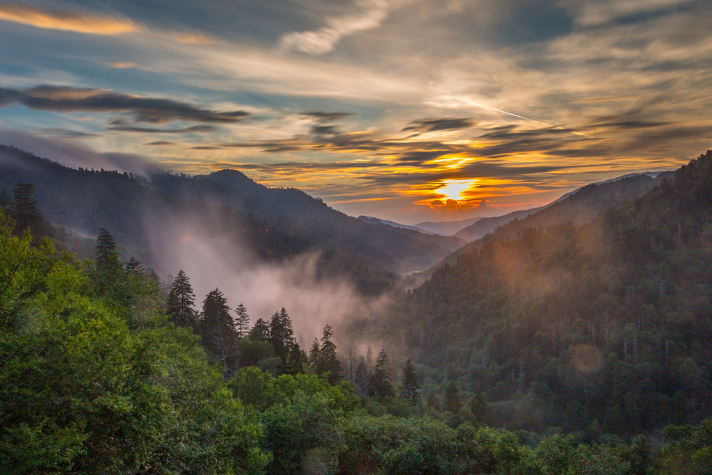 HONORABLE MENTION - SUNSET IN THE SMOKIES - Chelsea Lanford - Sunset at Newfound Gap in Great Smoky Mountains National Park. Amateur category